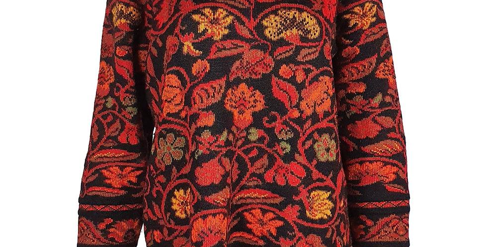 Pull noir et fleurs rouge/bordeaux/rouille
