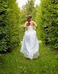 bride_in_garden2.jpg