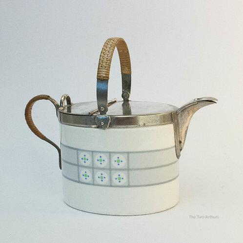 WMF Wächtersbach Art Nouveau Jugendstil Teapot, circa 1910, 16cm high.