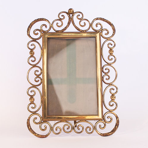 An excellent Arts and Crafts antique 'curly brass' Picture/Photo Frame.
