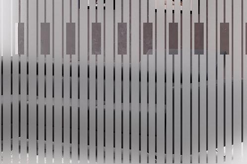 INT549 - Bandes verticales dépolies