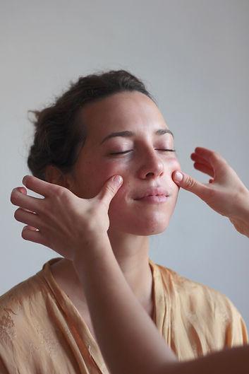 Ayurveda Gesichtsmassage