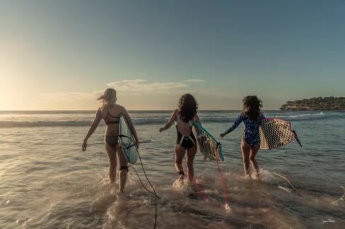 Girls early surf Bondi