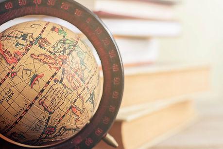 globe-in-the-library-P835YTZ.jpg