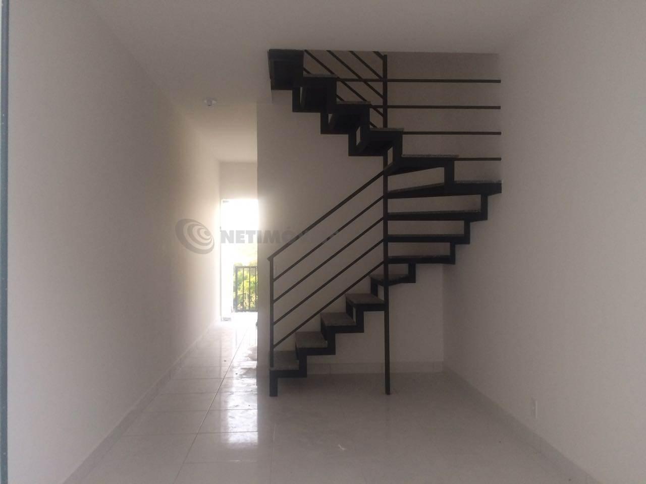 Casa Duplex - Sala com Escada