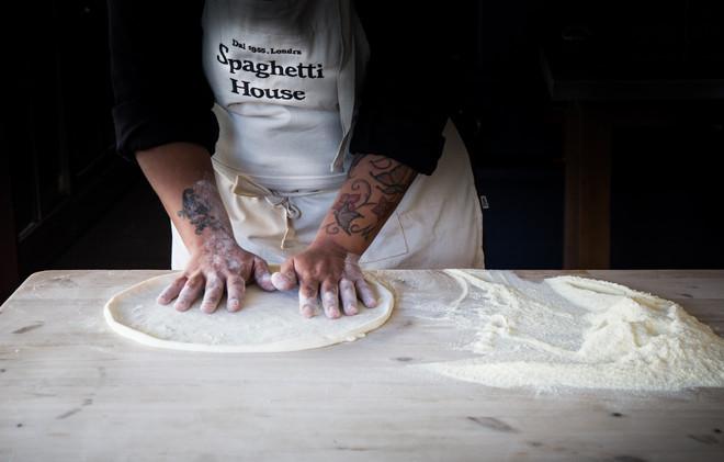 London_food_photographer_making_pizza