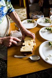 London_food_documentary_photographer_cutting_cheese