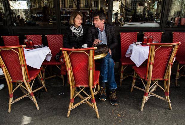 Paris_cafe_travel_photographer_couple