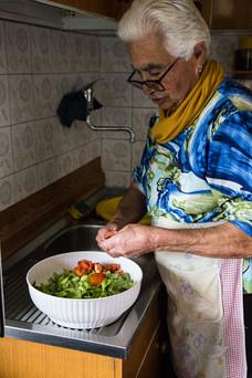 London_documentary_photogrpher_making_salad
