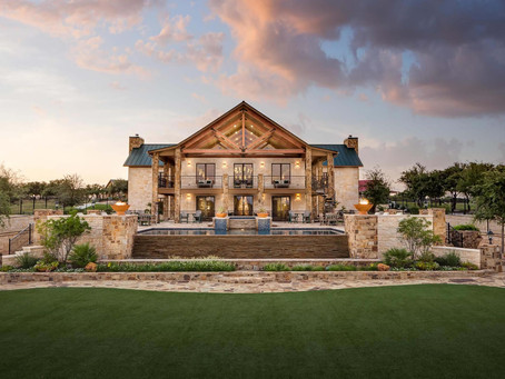 JL Bar: Experience Luxurious Ranch Life in the Middle of Texas Hill Country
