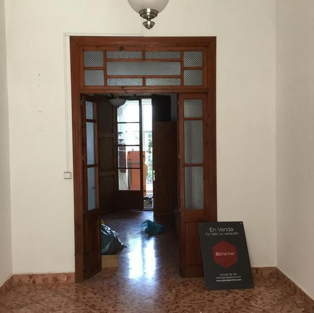 VORHER Eingangsbereich