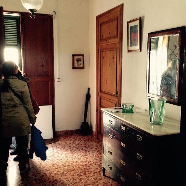 VORHER Eingangsbereich mit Gästezimmer