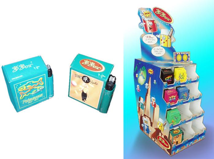 Habillage d'un display et boîte pour cigarettes/briquets