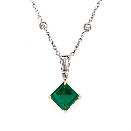 Green emerald pendant in diamond by the yard chain
