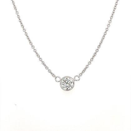 Single diamond pendant in 18k whitegold