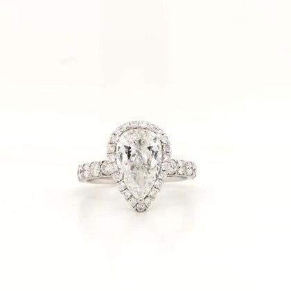 Pearshape diamond engagement ring