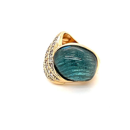 6.00ct Blue topaz ring in 14k yellow gold