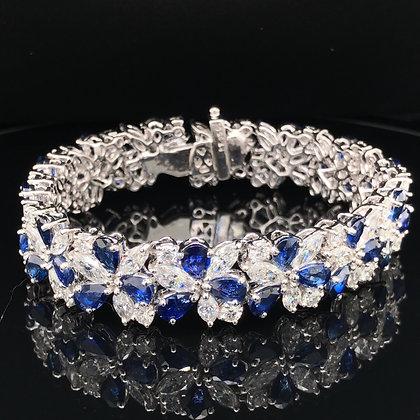 Sapphire and diamond bracelet in Platinum
