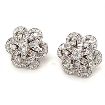 ROUND AND BAGUETTE CUT DIAMONDS 4.37 CARAT FLOWER INSPIRED 18 KARAT GOLD EARRING
