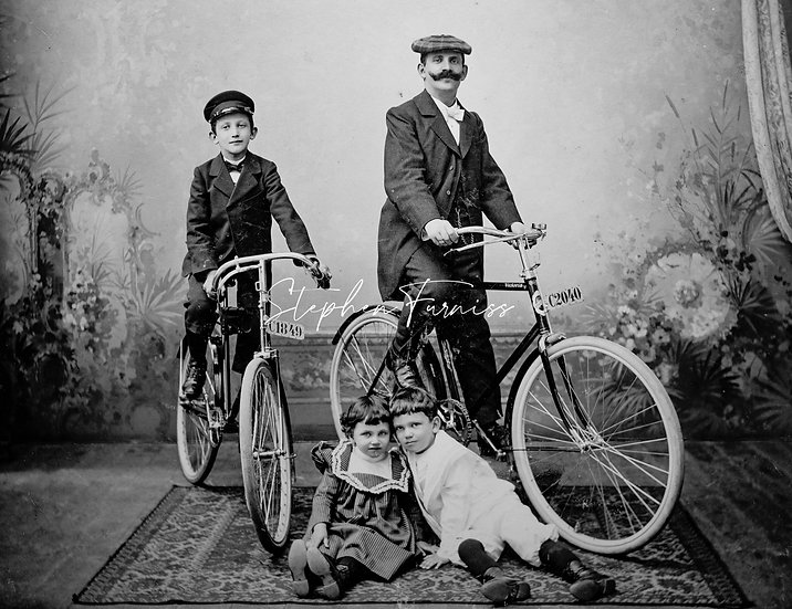 Family Photo with Bicycles! 1900's