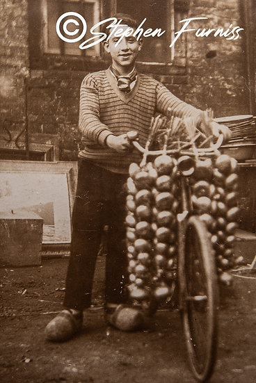 The Onion Seller 1930's