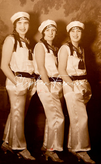 Hungarian Chorus Girls 1920