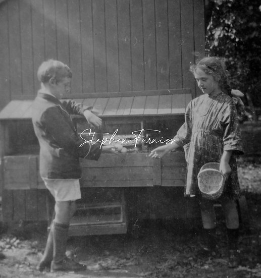Children doing some graft! 1920's