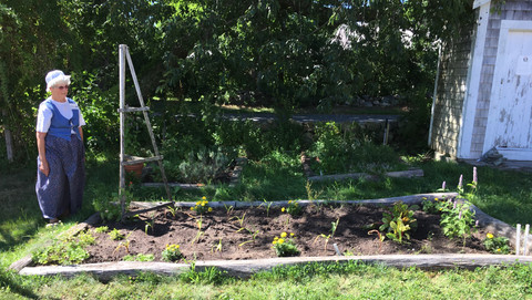 Josiah Dennis Manse Vegetable Garden.jpe