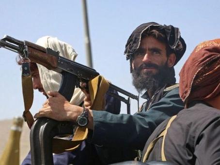 Talibã intensifica busca por afegãos que ajudaram os EUA.