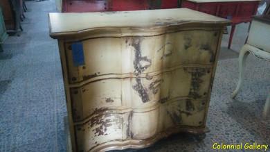 Mueble colonial vintage pintado comoda Marilin.jpg