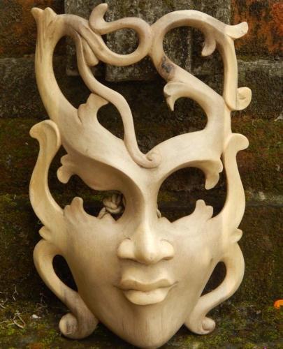Máscara Balinesa Iviscus
