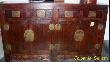 Mueble colonial oriental pintado marron envejecido.jpg