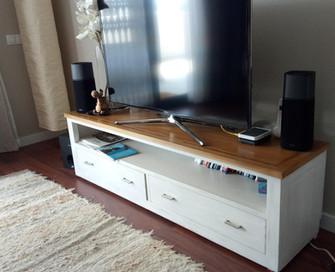 829 Mueble Televisor Colonial Blanco Dec