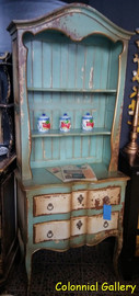 Mueble colonial vintage pintado vitrina abierta azul crema.jpg