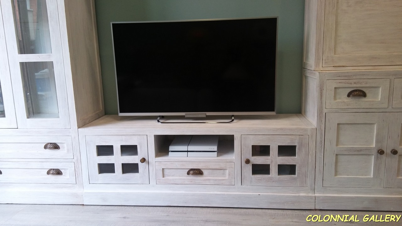Mueble Tv Colonial rustic Blaco