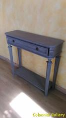 Mueble colonial vintage pintado consola gris.jpg