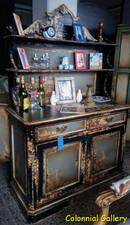 Mueble colonial vintage pintado vitrina abierta negro gris.jpg