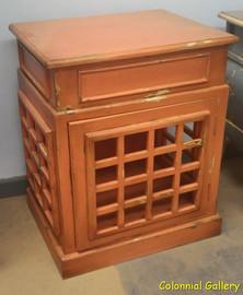 Mueble colonial vintage pintado mesa auxliar naranja.jpg