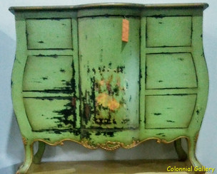 Mueble colonial vintage pintado consola verde.jpg