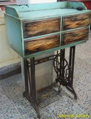 Mueble colonial reciclado pintado cajonera.jpg