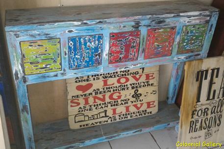 Mueble colonial pintado consola cajonera multicolor.jpg