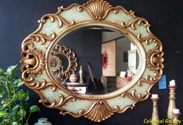 Mueble colonial vintage pintado espejo verde dorado.jpg