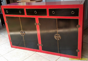 Mueble colonial oriental pintado aprador rojo negro 3cj.jpg