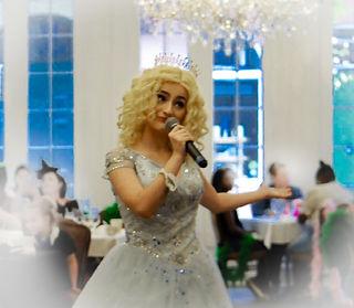holdiay princess1.jpg