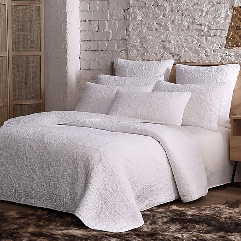 Avani Cotton Quilt Set