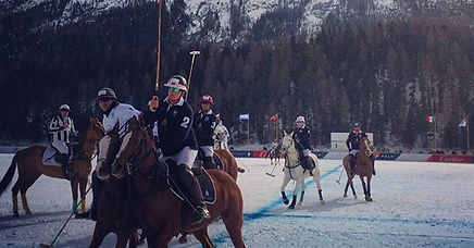 It's polo in the snow 🤗 🐎❄️#stmoritzsn
