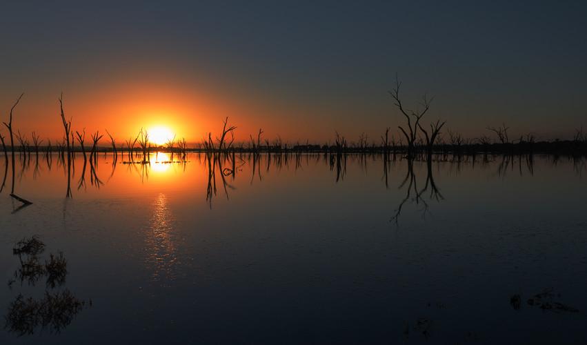 Yenyenning Lake Sunrise