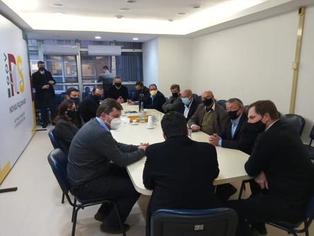 Reunião na Casa Civil define projeto para asfaltamento de duas vias entre Piratini e Canguçu