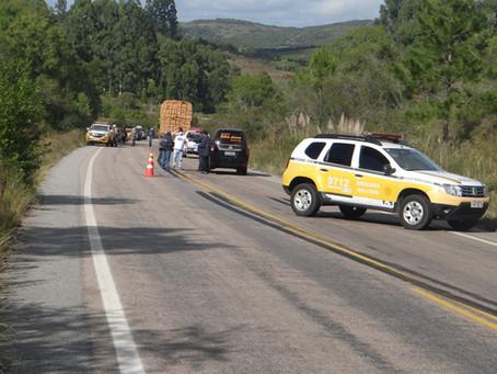 Homem morre ao ser atropelado por uma carreta na ERS-702