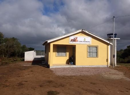 Prefeitura anuncia conclusão do novo Canil e ativista reclama da estrutura